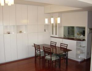 壁面収納 キッチン収納 鏡面塗装白
