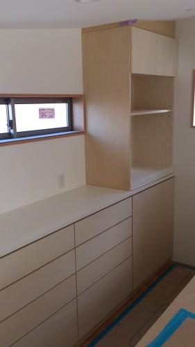 食器棚 シナ突板 自然塗料