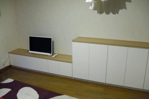 TVボードと収納棚