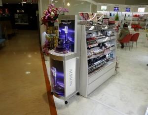 化粧品什器-2