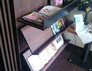 角度の変わる本棚