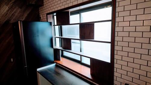 出窓飾り棚