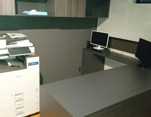 事務所デスク